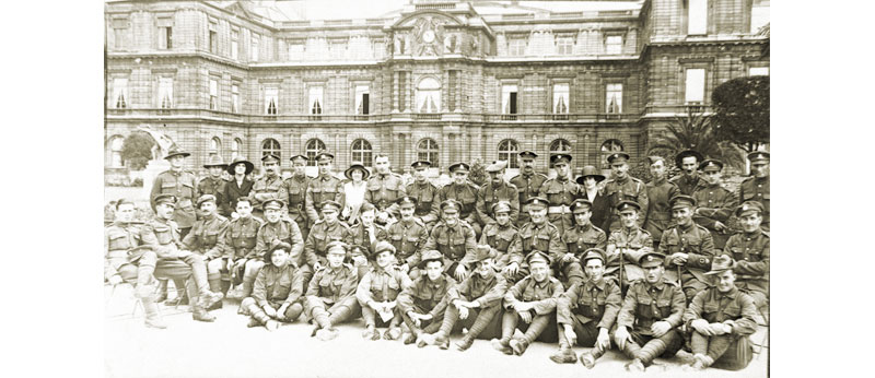 456 Pte Reginald Wilson KEH (Australia) back row left of the Tam O' Shanter - Paris Leave